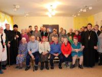 Епископ Спиридон совершил рождественский молебен для постояльцев социального дома «Ветеран»