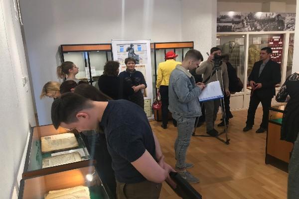В Бирском историческом музее открылась выставка старинных рукописных и печатных книг
