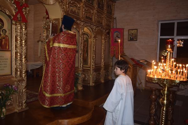 Пасхальное богослужение в Никольском храме села Печенкино