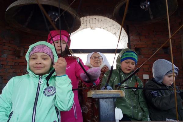 Сестры милосердия провели экскурсию в Свято-Троицком кафедральном соборе