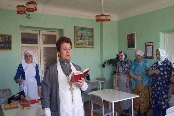 В хирургическом отделении ЦРБ города Бирска совершено Таинство причастия