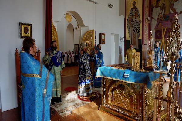 В праздник Успения Божией Матери Архипастырь совершил Литургию в кафедральном соборе Бирска