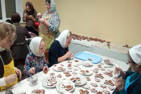 Прошло очередное собрание женского клуба «София», посвященное подготовке к празднику Рождества Христова