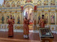 В день отдания Пасхи епископ Спиридон совершил Литургию в кафедральном соборе