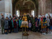 В Михаило-Архангельском храме села Николаевка Бирского района состоялась первая архирейская Божественная литургия
