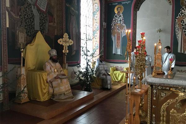 В Крещенский сочельник епископ Спиридон совершил Литургию в Свято-Троицком соборе