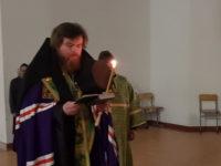 Епископ Спиридон совершил чтение акафиста прав. Иоанну Кронштадтcкому в Свято-Троицком соборе