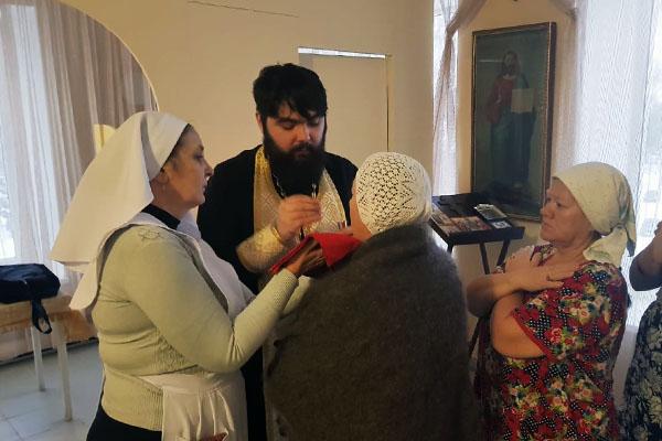 Священнослужители посетили болящих в паллиативном отделении Бирской ЦРБ