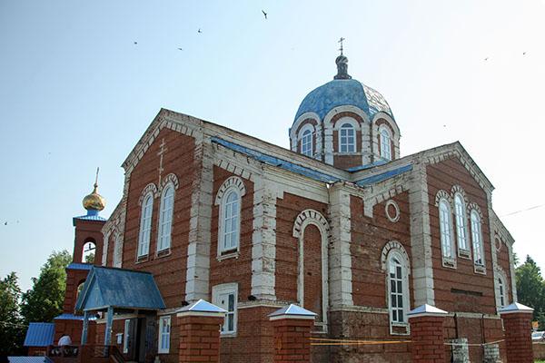 Преосвященнейший епископ Спиридон совершил молебное пение в Казанско-Святительском храме города Бирска