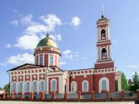 В канунНедели 9-й по Пятидесятнице епископ Спиридон совершил всенощное бдение в кафедральном соборе Бирска