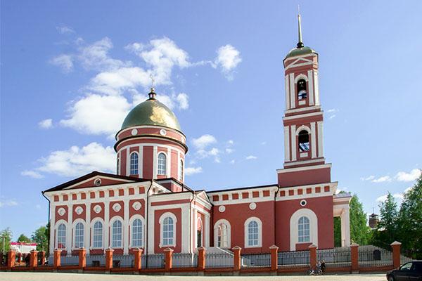 В день празднования равноапостольного князя Владимира епископ Спиридон совершил Божественную литургию в Свято-Троицком кафедральном соборе