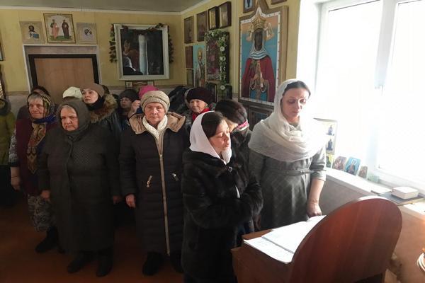 Епископ Спиридон совершил всенощное бдение в храме села Калинники