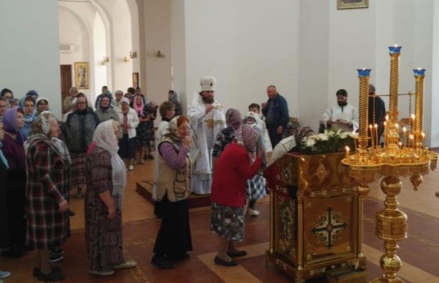Епископ Спиридон совершил всенощное бдение в Свято-Троицком кафедральном соборе города Бирска