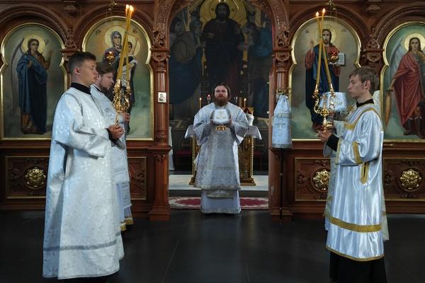 Епископ Спиридон возглавил Божественную литургию в Михаило-Архангельском храме города Бирска