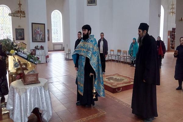 В кафедральный собор Бирска привезены икона и ковчег с мощами святой равноапостольной первомученицы Феклы
