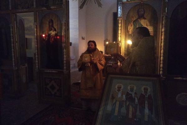 Епископ Спиридон совершил Литургию в храме в честь Казанских святителей Бирска