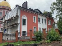 Продолжается строительство духовно-просветительского центра Бирской епархии