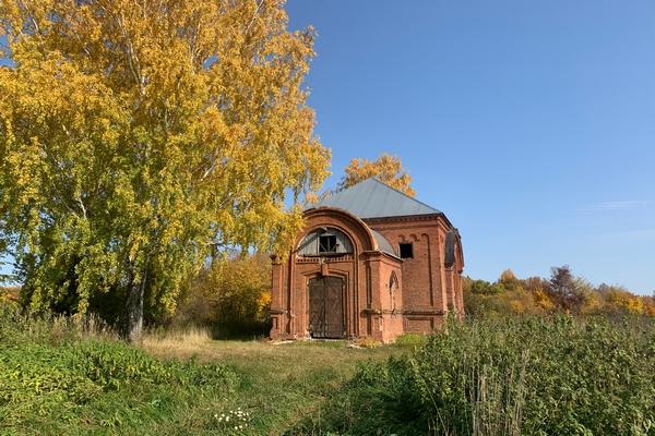 Епископ Спиридон посетил с рабочим визитом Никольский храм села Константиновки Мишкинского района