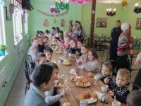 Дети воскресной школы храма села Байки посетили базу отдыха «Три Пескаря»