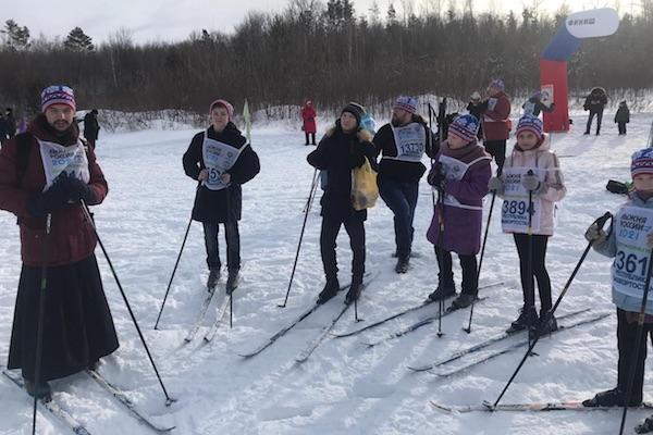 Православная молодежь Бирска приняла участие в «Лыжне России»