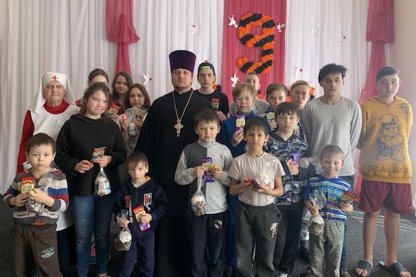 Руководитель отдела ЦБСС епархии посетил Бирский детский дом