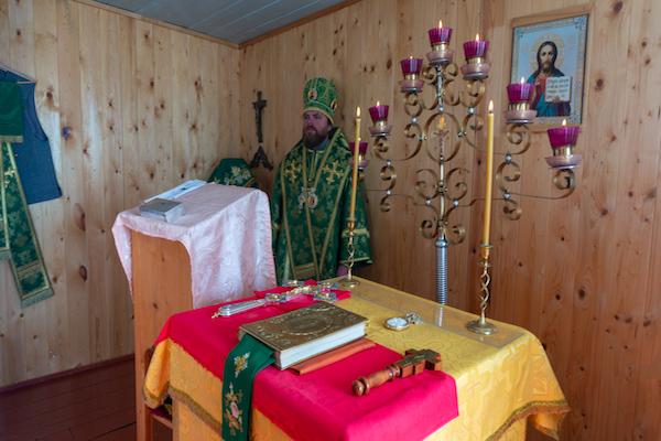 Епископ Спиридон возглавил первую архиерейскую Литургию в храме села Новомуллакаево Караидельского района