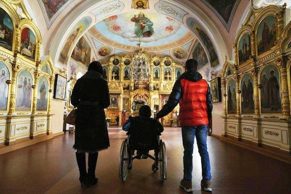 Посещение храмов Бирска для прихожан с ограниченными возможностями