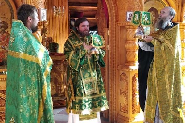 В день памяти преподобного Серафима Саровского епископ Спиридон совершил Литургию в одноименном храме села Бердяш