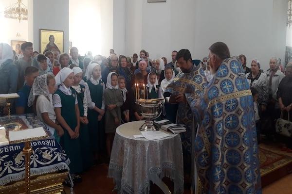 Преподаватели и ученики Воскресной школы Бирска приняли участие в молебне перед началом учебного года